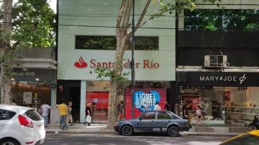 Instalación de videowall y monitores en Santander Río